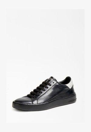 VERONA - Sneakersy niskie - schwarz