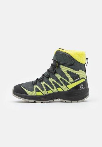 XA PRO V8 WINTER CSWP UNISEX - Hiking shoes - urban chic/black/evening primrose
