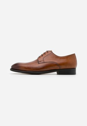 Smart lace-ups - catalux coñac