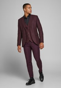Jack & Jones PREMIUM - Suit trousers - vineyard wine - 1