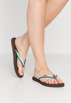 FREEDOM - Sandály s odděleným palcem - green