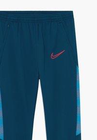 Nike Performance - DRY  - Träningsbyxor - valerian blue/laser crimson - 3