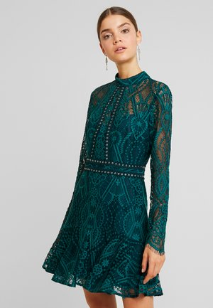 SLEEVED - Cocktail dress / Party dress - green