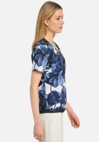 MARGITTES - Print T-shirt - blue - 3