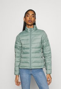 ONLY - ONLSANDIE QUILTED JACKET  - Lett jakke - chinois green - 0
