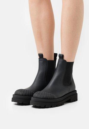 STUDIO - Platform ankle boots - schwarz
