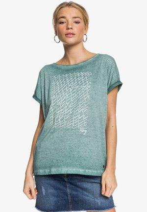 SUMMERTIMEHAPIN - Camiseta estampada - green