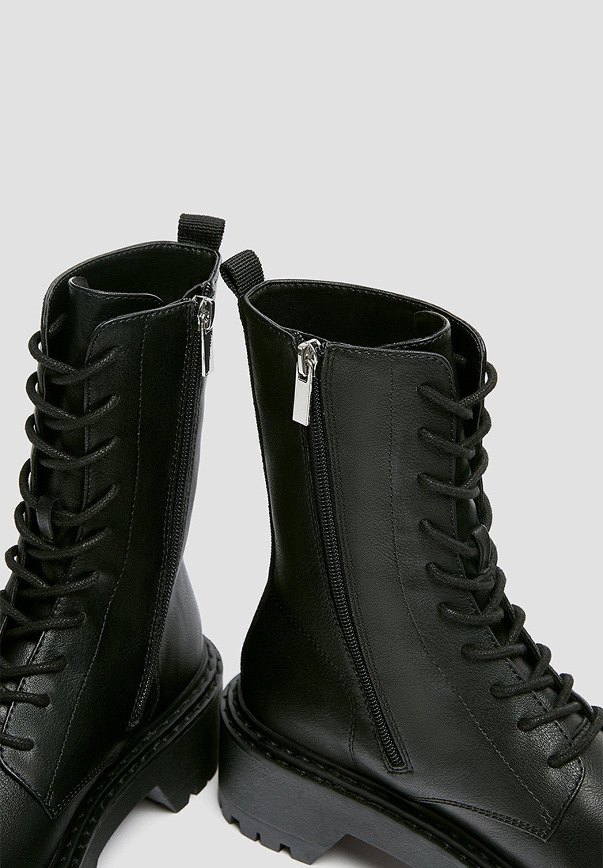 PULL&BEAR Plateaustiefelette black/schwarz