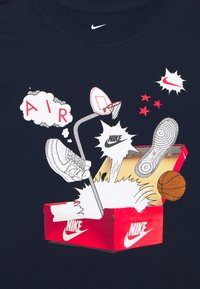 Nike Sportswear - SHOEBOX PHOTO TEE - Print T-shirt - obsidian - 2