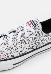 Converse - CHUCK TAYLOR ALL STAR UNISEX - Sneakers laag - white/black/red - 5