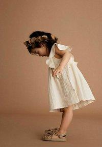 Lil' Atelier - Day dress - turtledove - 1