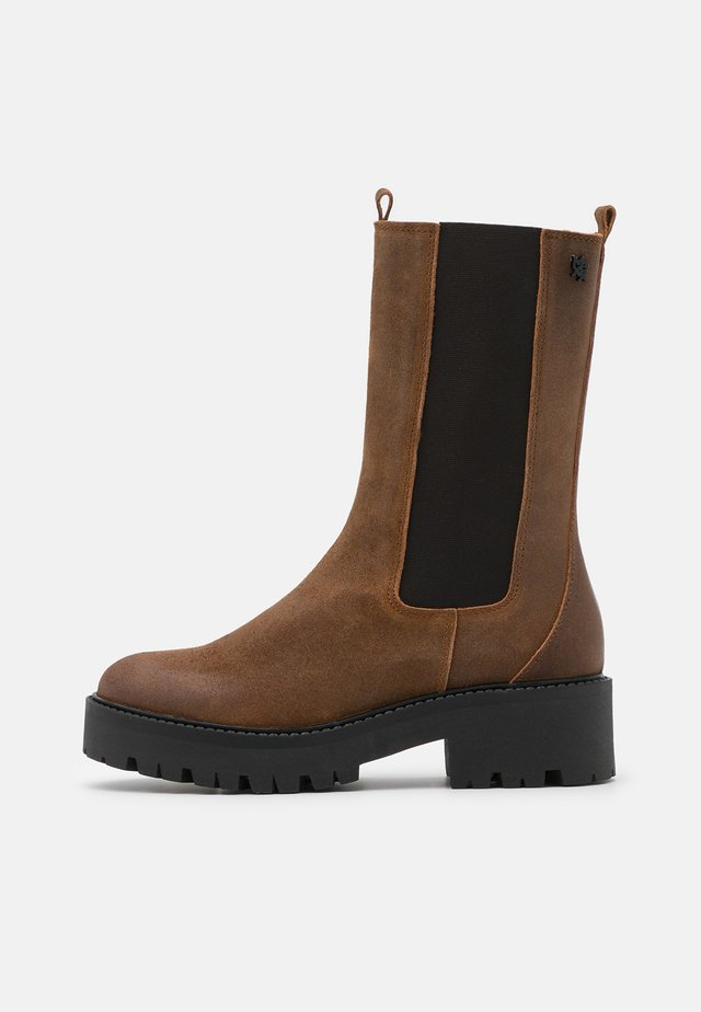 GINA - Platform boots - brown