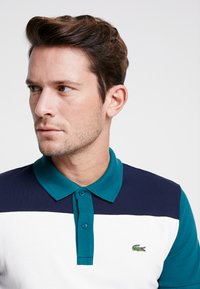 Lacoste - PH5142 - Polo shirt - marine - 3