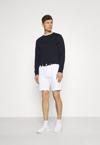 Tommy Hilfiger - BROOKLYN LIGHT - Shorts - white - 1