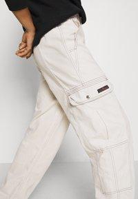 BDG Urban Outfitters - BLAINE SKATE - Pantalones cargo - ecru - 6