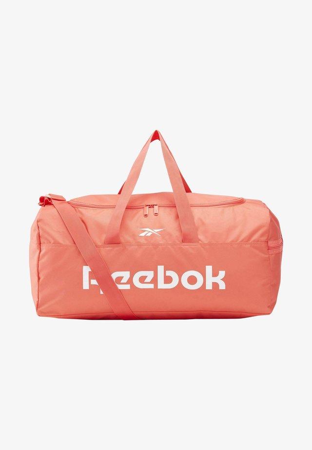 ACTIVE CORE GRIP DUFFLE BAG MEDIUM - Sportstasker - orange