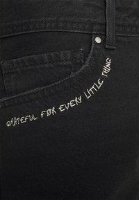 Pepe Jeans - THRASHER  - Denim shorts - dark blue - 5