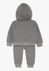 Nike Sportswear - PANT BABY SET - Tracksuit - carbon heather - 1