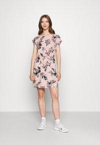 Vero Moda - VMSIMPLY EASY TIE SHORT DRESS - Vapaa-ajan mekko - misty rose - 1