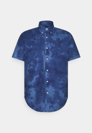 CLOUD WASH - Shirt - earth blue