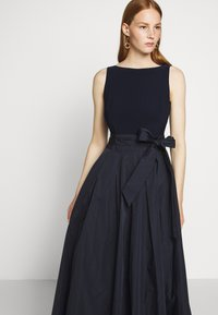 Lauren Ralph Lauren - MEMORY LONG GOWN COMBO - Společenské šaty - lighthouse navy - 3