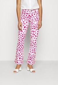 Fabienne Chapot - EVA FLARE TROUSERS - Flared Jeans - happy leopard - 0