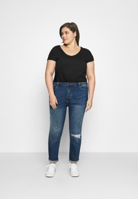 Simply Be - FERN BOYFRIEND - Jeans Tapered Fit - vintage blue - 1