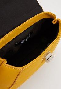 Gina Tricot - STINA MINI BAG - Bolso de mano - yellow - 4