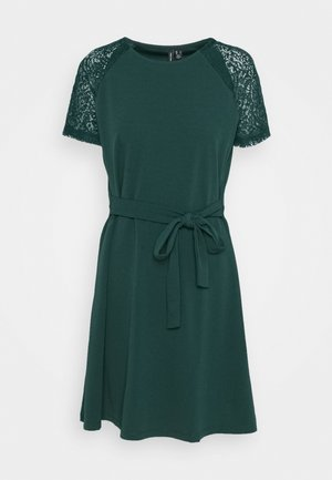 VMJASMINE LACE TIE SHORT DRESS - Vestido ligero - ponderosa pine