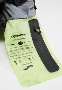 Dynafit - TRANSALPER UNISEX - Backpack - quite shade/asphalt - 8