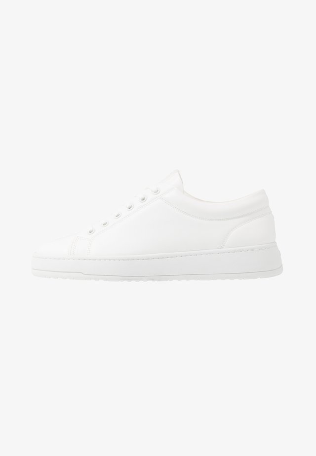 COURT VEGEA® - Sneakers basse - white