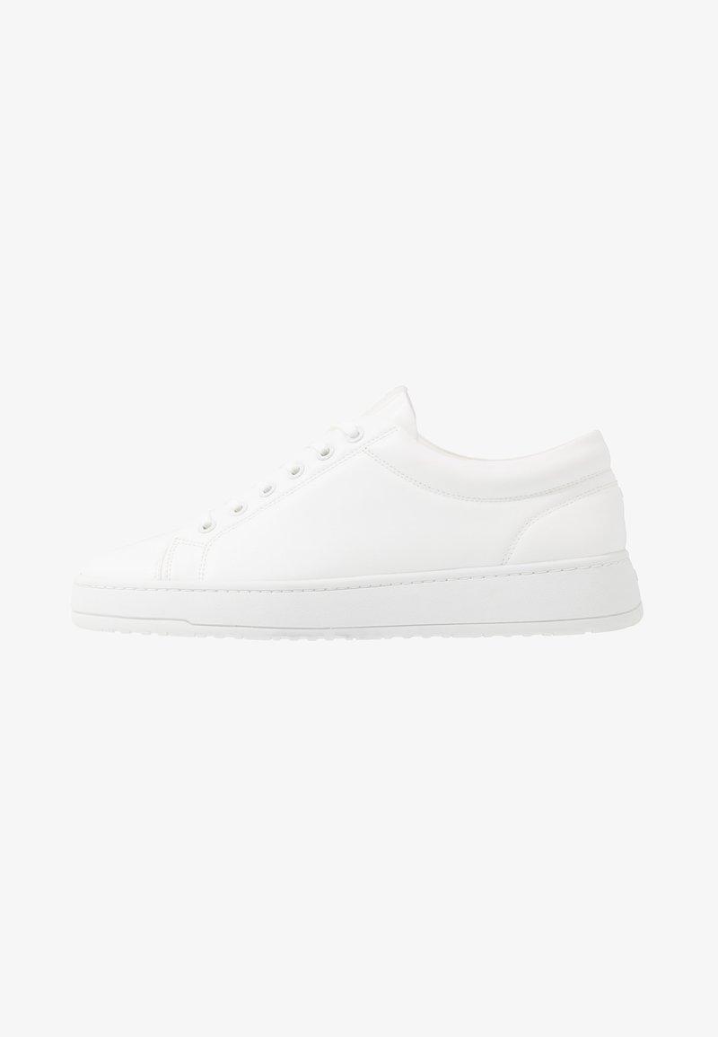 ETQ - COURT VEGEA® - Trainers - white