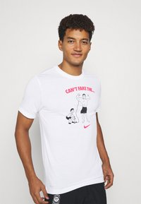 Nike Performance - TEE CANT FAKE IT - Funktionströja - white - 3