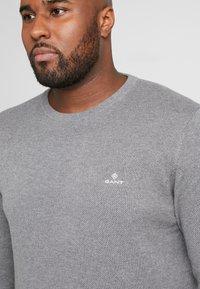 GANT - PLUS CREW - Stickad tröja - dark grey melange - 4
