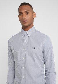 Polo Ralph Lauren - NATURAL SLIM FIT - Shirt - black/white - 4