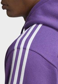 adidas Originals - STRIPES HOODIE - Mikina skapucí - purple - 5