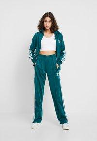 adidas Originals - FIREBIRD - Træningsjakker - noble green - 1
