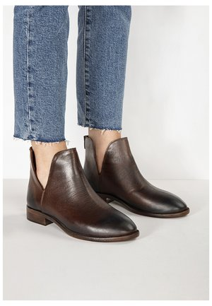 Classic ankle boots - praline prn