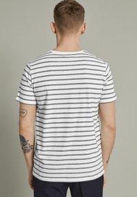 Matinique - MAJERMANE - Print T-shirt - white - 2