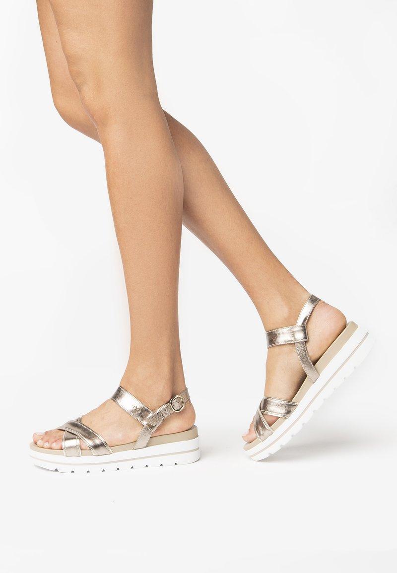 NeroGiardini - Platform sandals - bronzo