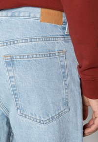 Weekday - BARREL CROPPED TROUSER - Jeans straight leg - splendid blue - 4