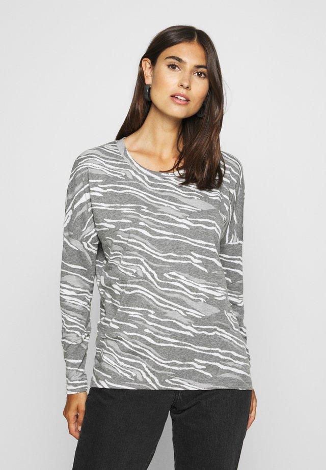 SC-KAY 1 - Stickad tröja - med grey melange