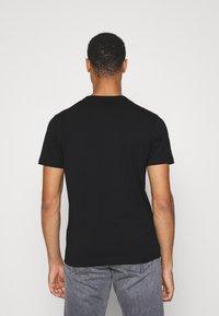 Belstaff - COTELAND - Print T-shirt - black - 2