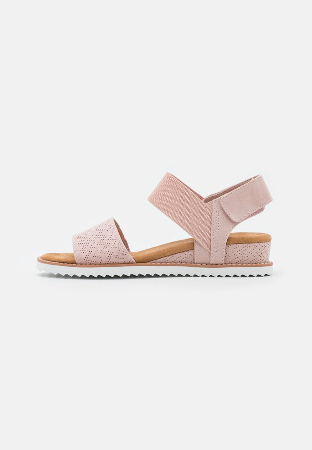DESERT KISS - Wedge sandals - blush