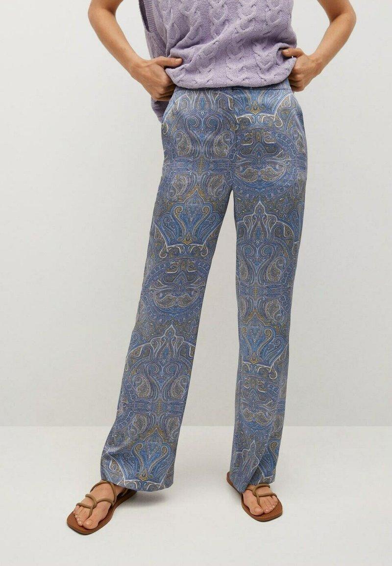 Mango - ESTAMPADO - Trousers - azul