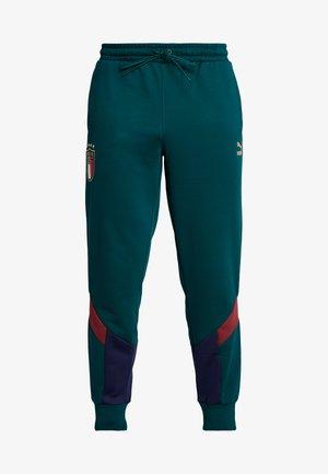 ITALIEN FIGC ICONIC MCS TRACK PANTS - Spodnie treningowe - ponderosa pine/peacoat