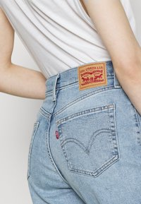 Levi's® - HIGH WAISTED MOM - Broek - i see you - 4