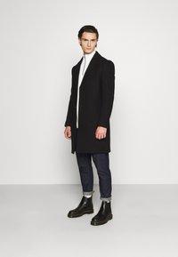 Isaac Dewhirst - OPTION - Classic coat - black - 1