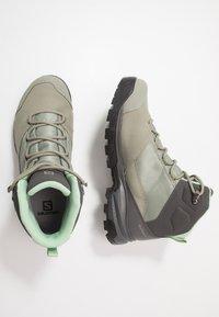 Salomon - OUTWARD GTX - Hiking shoes - shadow/magnet/spruce stone - 1