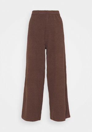 CALAH TROUSERS - Trousers - brown